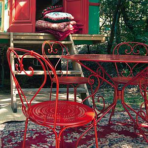 1900 by Fermob Table ronde 96 cm rouge piment