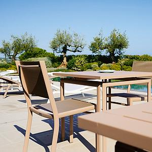 COSTA by Fermob Table 80x80 cm miel
