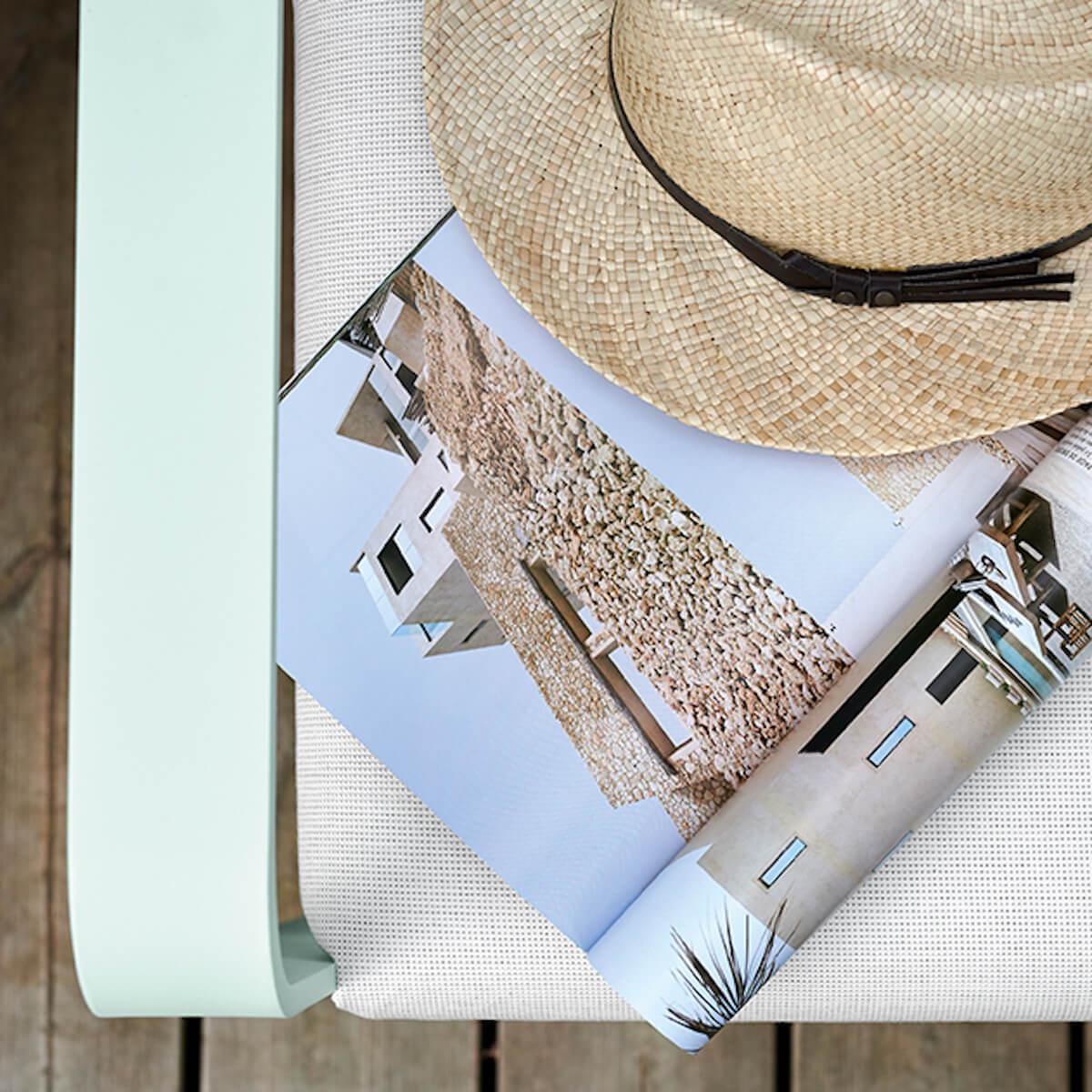 Fauteuil de jardin BELLEVIE Fermob vert opaline-blanc grisé