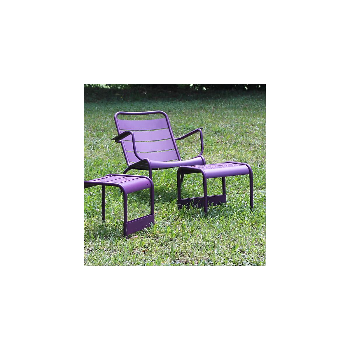 LUXEMBOURG  by Fermob Fauteuil bas Aubergine