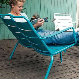 LUXEMBOURG  by Fermob Fauteuil bas duo Aubergine
