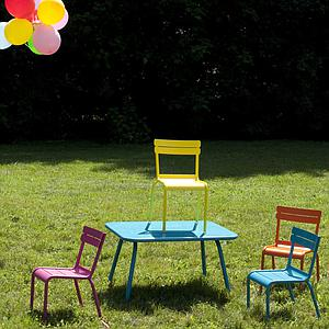 LUXEMBOURG KID by Fermob Table lagune