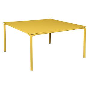 Table 140x140cm CALVI Fermob jaune miel
