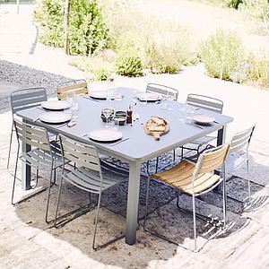 Table 143x143cm CRAFT Fermob gris argile
