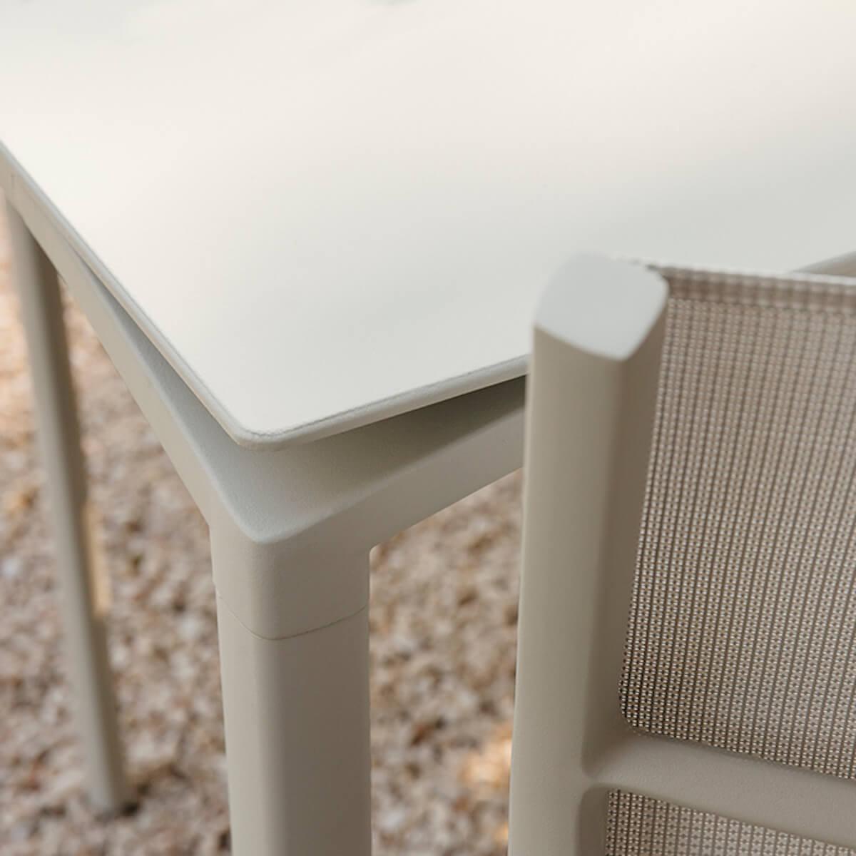 Table 95x195cm CALVI Fermob brun muscade