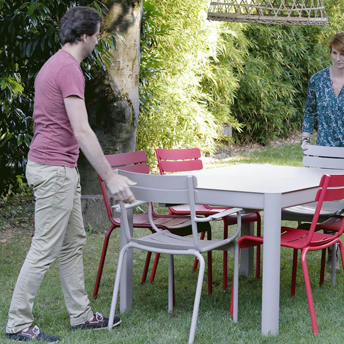 Table à rallonge 149/191x100cm RIBAMBELLE Fermob gris métal