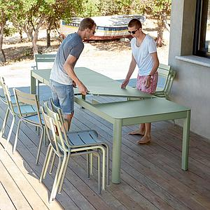 Table à rallonge XL 149/299x100cm RIBAMBELLE Fermob vert opaline